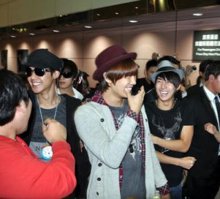 726642602 SS501 Taipei arrival