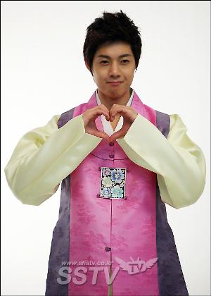 El lindo corazón de Kim Hyun Joong ganó elogios del fotógrafo Hjlhotsun0131