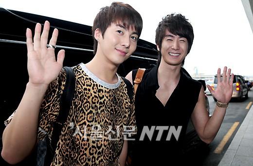 La moda de los hermanos Kim en el aeropuerto  10khhbairfashion1
