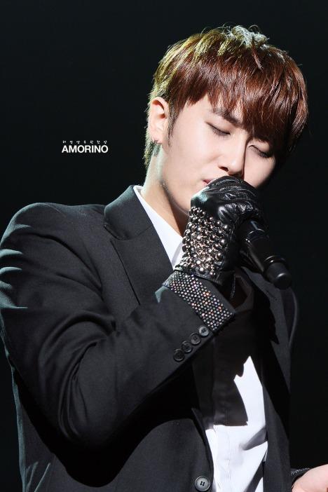 [28.09.12] [Pics] Más fotos del concierto de Heo Young Saeng en Tokio 4hystokioconcert